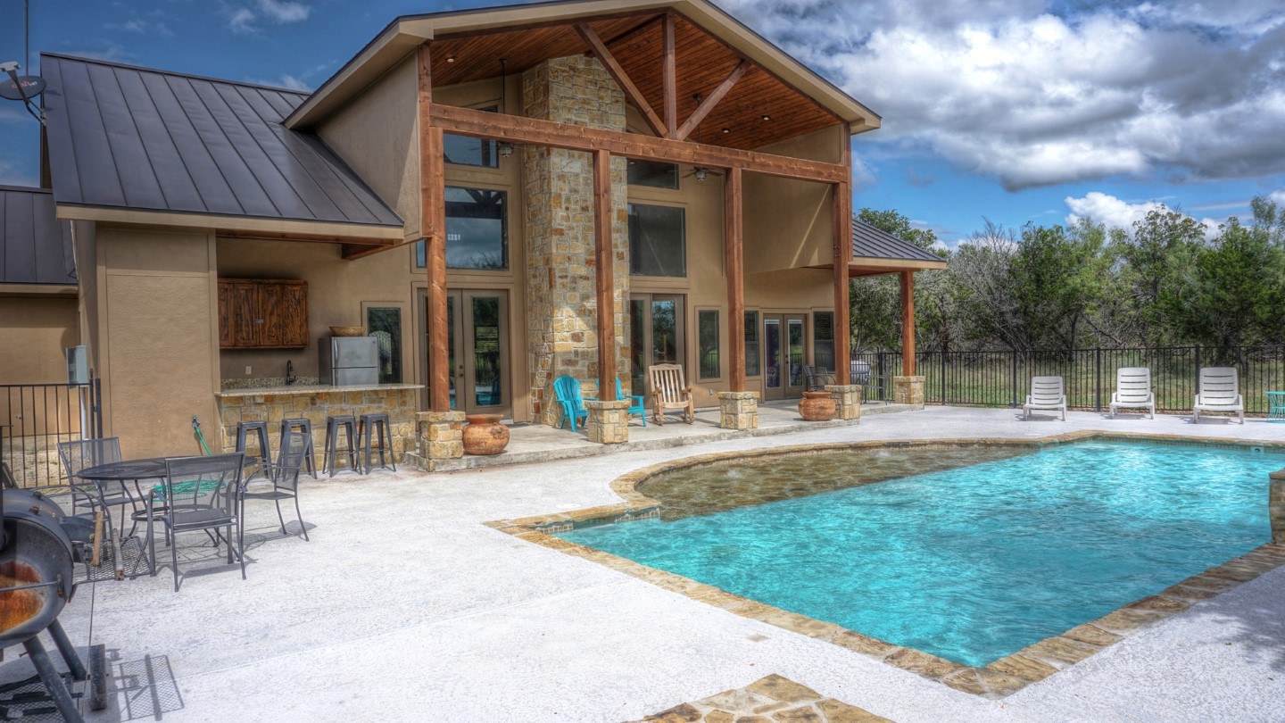 Frio River Rental Homes Sweet SPot on the Concan Golf Course